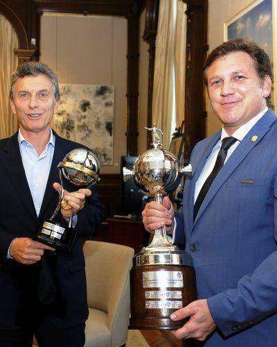 Mauricio Macri se reunió con el presidente de la Conmebol