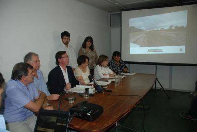 Cambiemos amplió la denuncia por irregularidades de la Ruta 7: implican a De Vido, a Vialidad Nacional y Provincial, funcionarios, el Banco Nación y la empresa de Báez