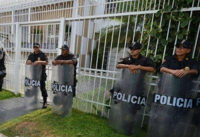 Allanan oficinas de la firma de abogados Mossack Fonseca
