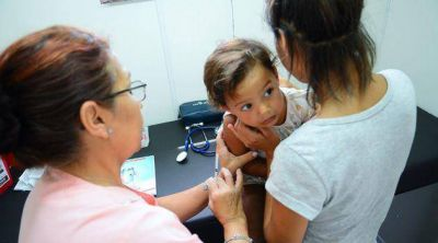 Más de 2.500 vecinos se atendieron en la unidad móvil de la Secretaría de Salud