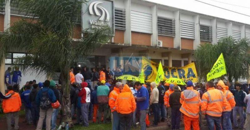 Uocra se manifiesta en Paran� por la suspensi�n de m�s de 120 trabajadores