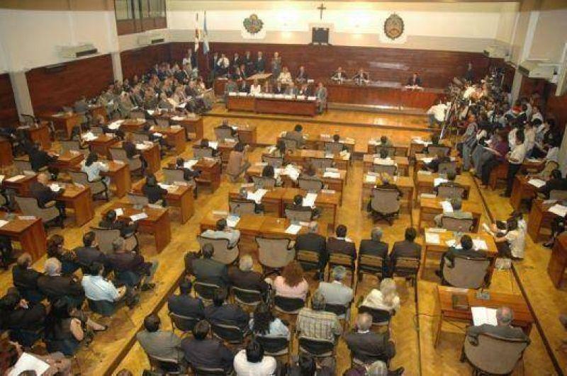 Legislatura: Aprueban pedido para diferir vencimiento en la factura de luz