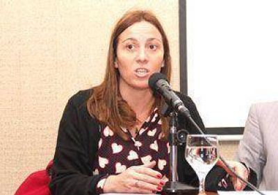 "Arata criticó a Petrecca por sus ""contradicciones"""