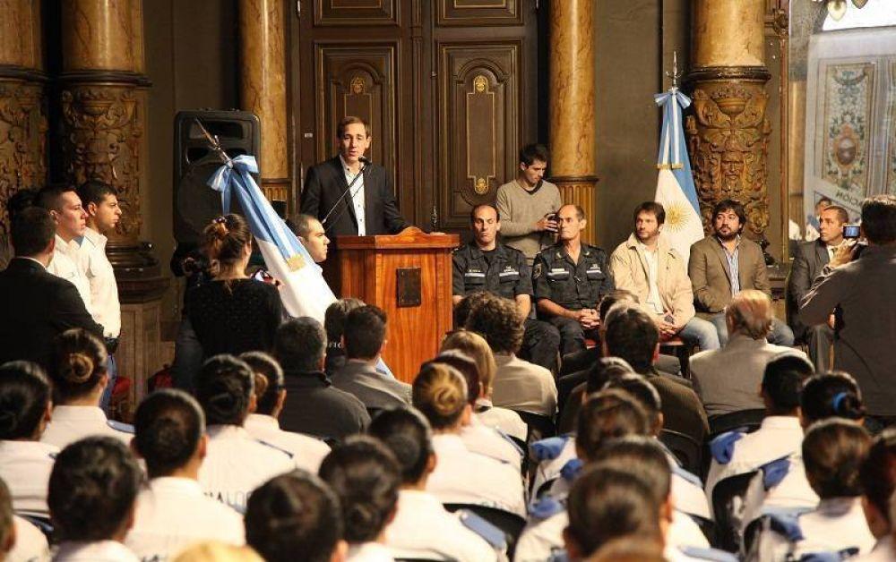 """Lanzan """"recapacitación"""" para los 900 agentes de la Policía Local que estaban en funciones"""