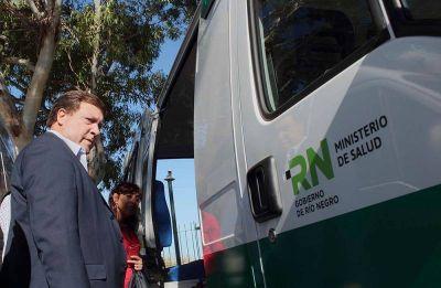 Weretilneck entregó ambulancias destinadas a hospitales rionegrinos