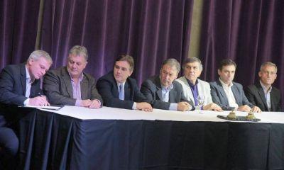 Más de 400 intendentes avalaron ayer con su presencia el Acuerdo Federal de Schiaretti
