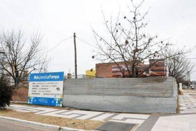 Se retoma la construcci�n de las escuelas del Fonavi de 1702 casas