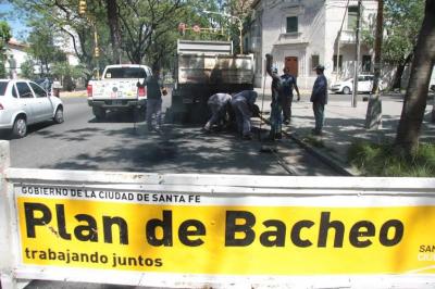 Plan de Bacheo: el intendente supervisa el avance de obras