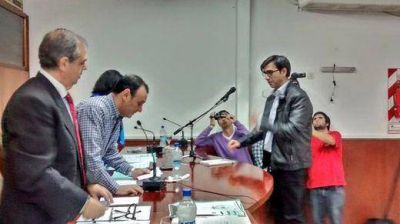 Se aprobaron las nuevas comisiones en el Concejo Deliberante y asumi� Rodrigo Estigarribia