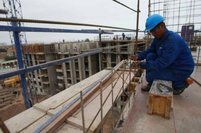 Denuncian falta de control en las obras y riesgo sísmico