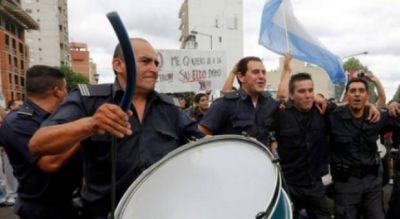 Reclamo salarial: Efectivos de la Policía Bonaerense protestarán frente a la Gobernación