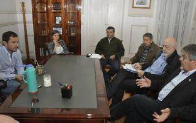 Abella recibió a autoridades de la Unión Industrial de Campana