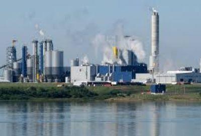 Técnicos de la Asamblea acordaron con Bergman reunir información sobre la contaminación de Botnia