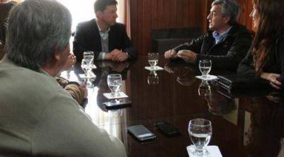 Bevilacqua avanza en proyectos de obras y turismo con legisladores provinciales