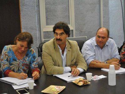 Sarquís se reunió con diputados de la provincia para avanzar en una ley de agroquímicos