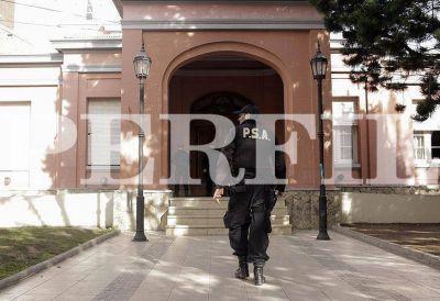 Allanaron la gobernación de Santa Cruz por el caso del mausoleo de Néstor Kirchner