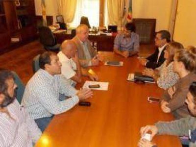 Se firmó convenio inédito por capacitaciones para empleados municipales