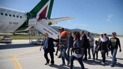 El Papa se lleva a Roma a 12 refugiados sirios