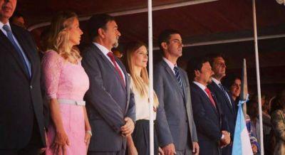 Urtubey ahora se muestra con Massa y critica a Macri: