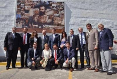 Gustavo Sáenz inauguró una obra de arte de Güemes