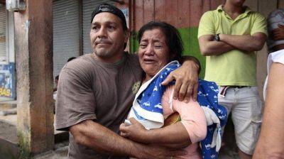 El presidente de Ecuador anunció que el número de muertos por el terremoto asciende a 233
