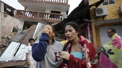 Ecuador sufre por un potente terremoto