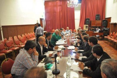 Debaten la ampliación del Presupuesto 2016