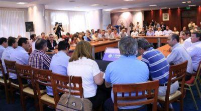 El Gobernador junto con amplios sectores reclaman por el recorte obras para el Chaco