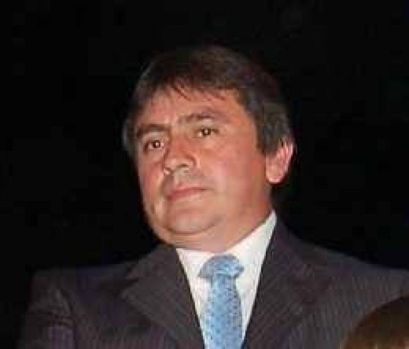 Denuncian a Campos por un robo de $ 152.000 en cheques