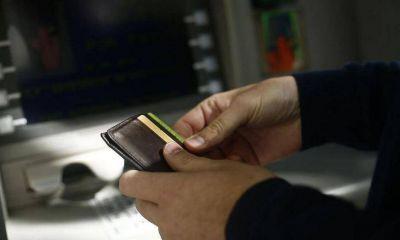 Ahora el uso de cajeros de otros bancos puede costar hasta $ 15
