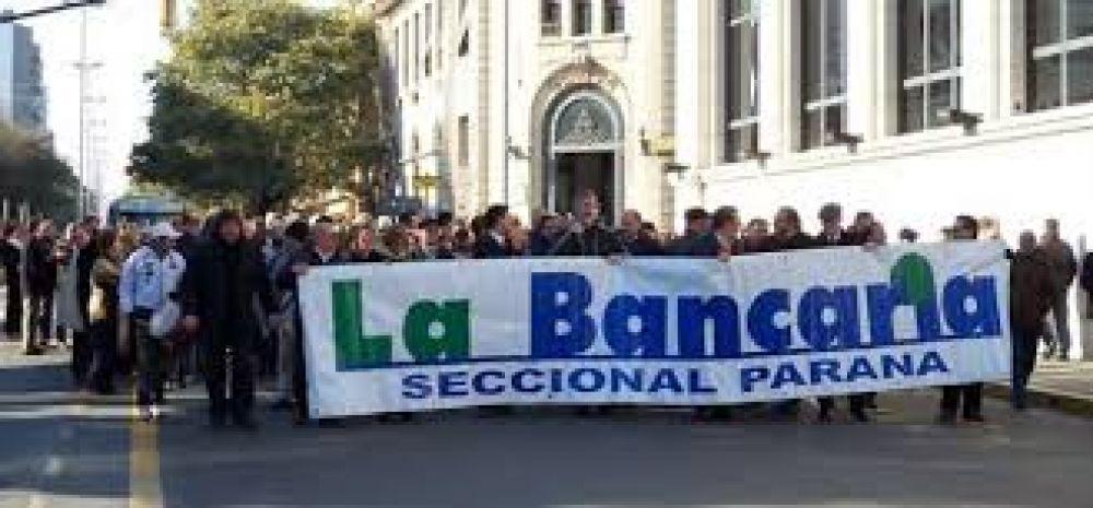 El paro bancario del jueves y viernes está sujeto a la reunión paritaria del miércoles