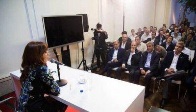 Cristina reunió a intendentes bonaerenses del FPV