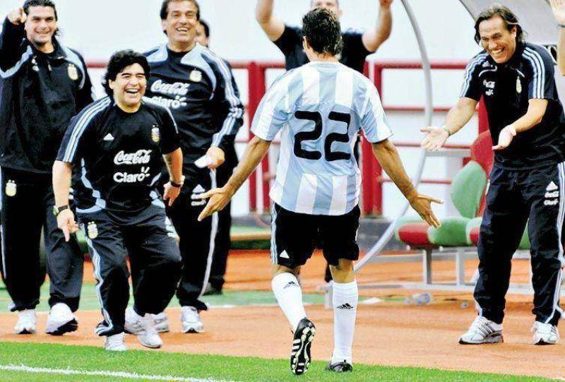 DDátolo, Tevez y Gago, en la lista para enfrentar a Brasil