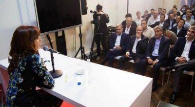 """Con la presencia de intendentes, Cristina lanzó el """"Frente Ciudadano"""" en la Provincia"""