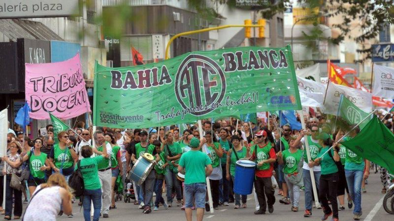 Docentes, auxiliares y judiciales de Bahía comienzan un paro por reclamos salariales