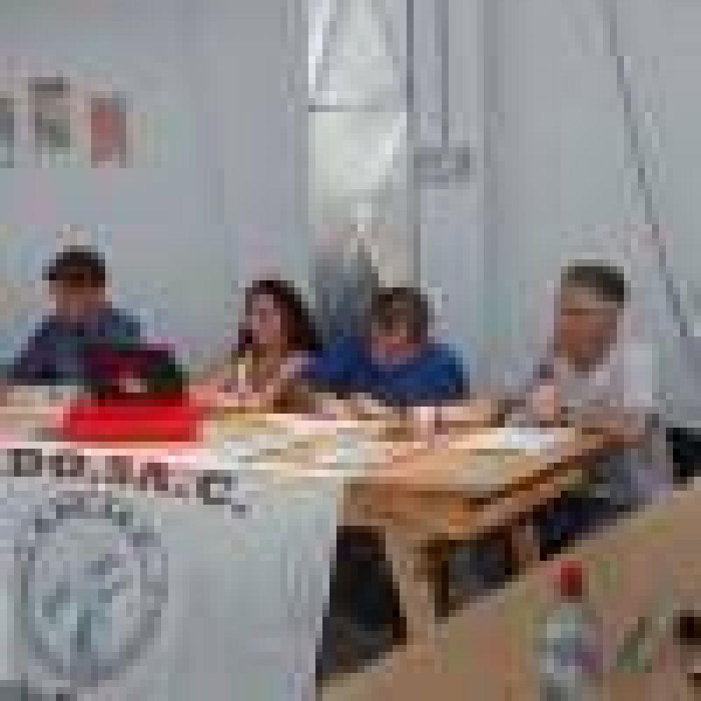 Mañana se realizará el Congreso de ADOSAC que marcará la continuidad del conflicto docente