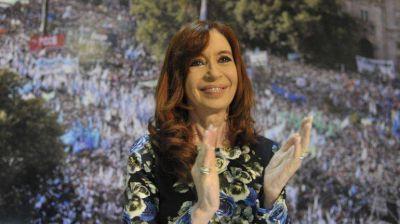 Cristina Kirchner logr� asistencia casi perfecta de intendentes y por primera vez asumi� la derrota