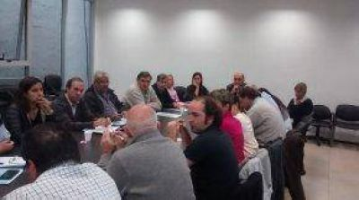 Diputados provinciales recibieron a PYMES en alerta ante el aumento de la luz