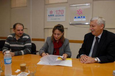 AMIA y el Consejo Nacional de Coordinación de Políticas Sociales firmaron un acuerdo de cooperación