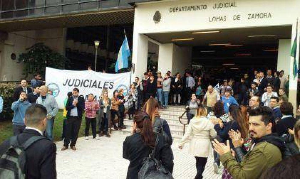 Reclamo de Judiciales: Toman los Tribunales de Lomas de Zamora