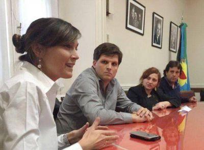 Juan Manuel Cheppi junto a diputados del FpV reclaman a Vidal la implementación del Boleto Educativo