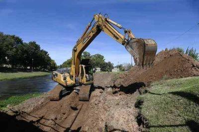 Comenzó a realizarse el plan de obras hídricas para prevenir las inundaciones