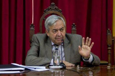 Godoy se refirió al aumento en los sueldos de diputados