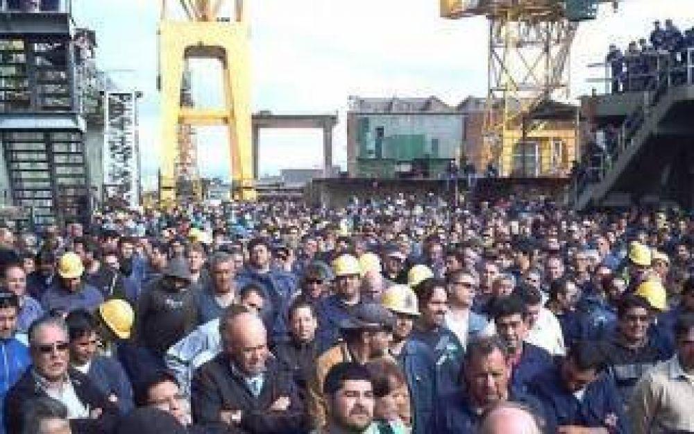 Trabajadores de Astillero Río Santiago protestan contra Vidal en La Plata