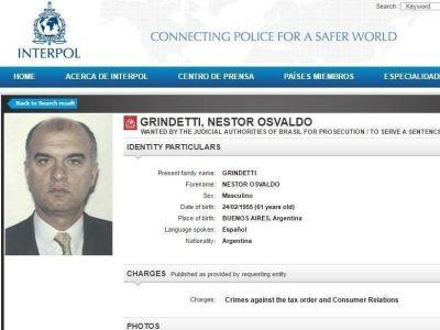 Mientras Vidal lidia con las off shore de sus funcionarios, Interpol pidió la captura de Grindetti