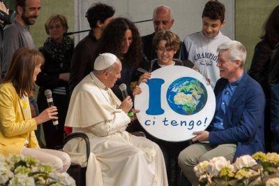 El Papa Francisco: ustedes transforman los desiertos en selvas