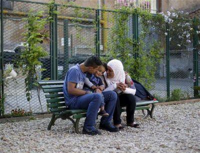 Dejar el horror atrás: los refugiados sirios que rescató Francisco rehacen su vida en Italia