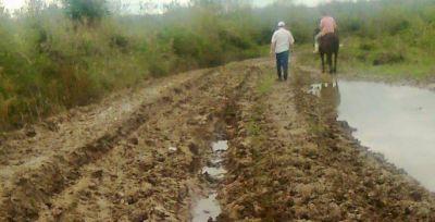 El problema de los caminos rurales y la circulaci�n de camiones en d�as de lluvia