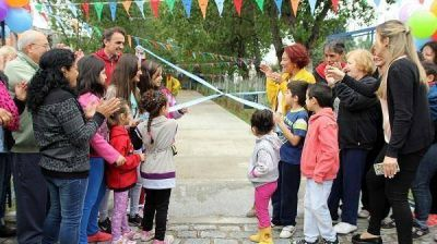 Katopodis inaugur� las obras de renovaci�n de la Plaza Tropez�n