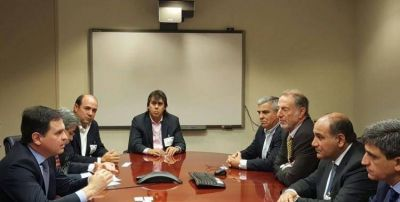 Manzur se reunió con representantes del BID en Washington